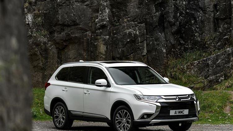 Mitsubishi Outlander Petrol review | Car review | RAC Drive