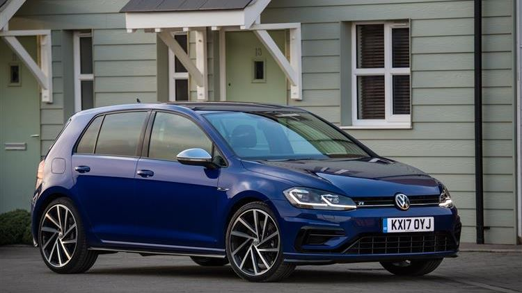 Volkswagen Golf R review | Car review | RAC Drive