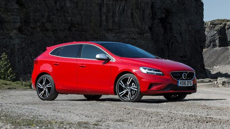 Volvo V40 T2 review | Car review | RAC Drive