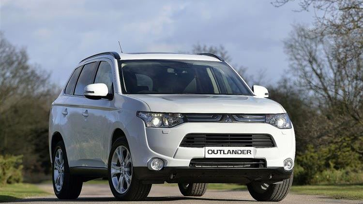Mitsubishi Outlander (2013 - 2015) used car review | Car