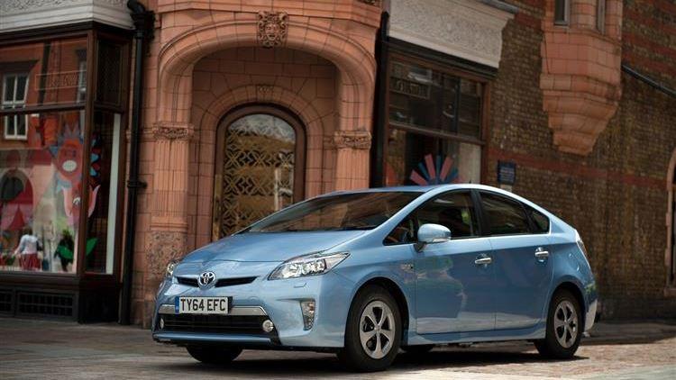 Toyota Prius Plug-In (2012 - 2015) used car review | Car
