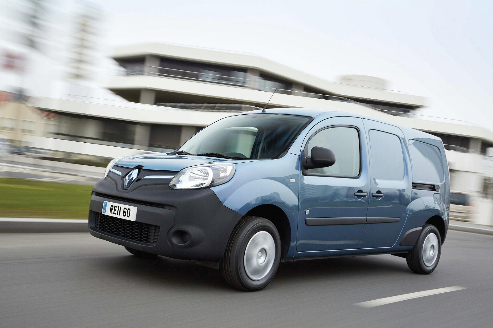 new renault kangoo maxi ze electric ll21 44kw 33kwh business crew van auto for sale bristol street. Black Bedroom Furniture Sets. Home Design Ideas
