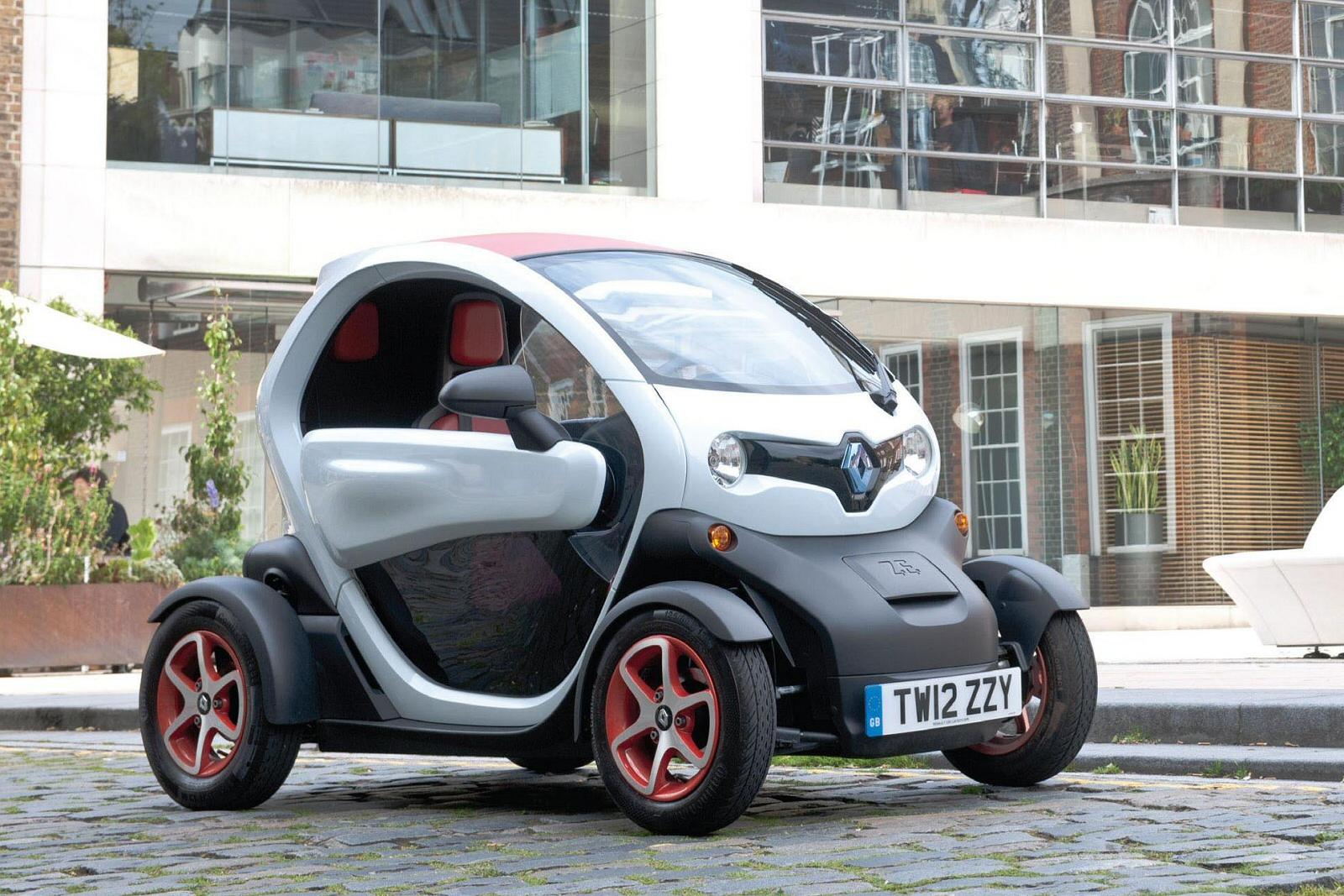 Renault Twizy For Sale: New Renault Twizy 17Kw Dynamique 13Kwh 2Dr Auto Electric