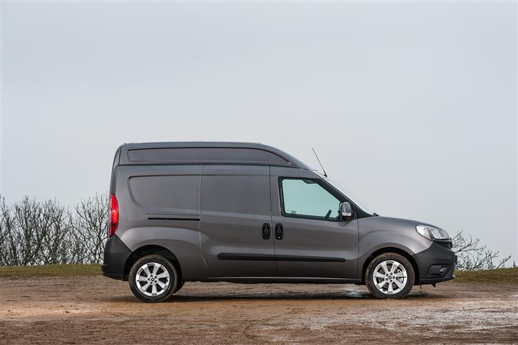 car review 10903 fiat doblo cargo xl. Black Bedroom Furniture Sets. Home Design Ideas
