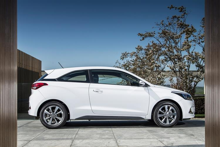 hyundai i20 diesel coupe 1 4 crdi sport 3dr car leasing and contract hire deals carlease. Black Bedroom Furniture Sets. Home Design Ideas