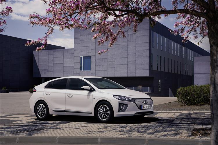 Hyundai Ioniq 88kW Electric Premium SE 28kWh 5dr Auto Electric Hatchback