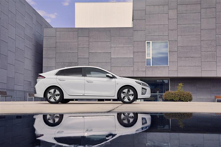 Hyundai Ioniq 1.6 GDi Hybrid Premium 5dr DCT Hybrid Hatchback