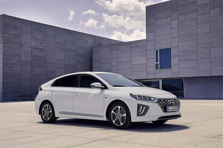 Hyundai Ioniq 1.6 GDi Plug-in Hybrid Premium 5dr DCT Hatchback