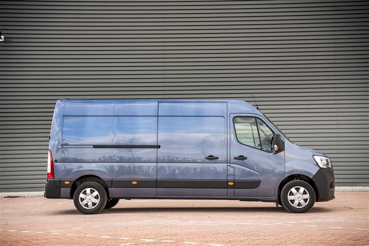 Renault Master Lwb Diesel Fwd LM35 ENERGY dCi 145 Business+ Med Roof Window Van