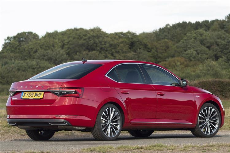 SKODA Superb 2.0 TDI CR SE L Executive 5dr DSG [7 Speed] Diesel Hatchback