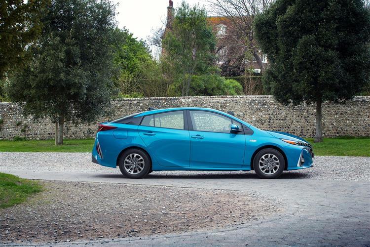 Toyota Prius 1.8 VVTi Plug-in Business Edition Plus 5dr CVT Hatchback