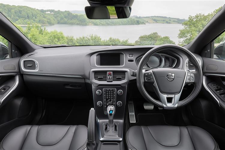 New Volvo V40 T2 [122] R DESIGN 5dr Petrol Hatchback for Sale