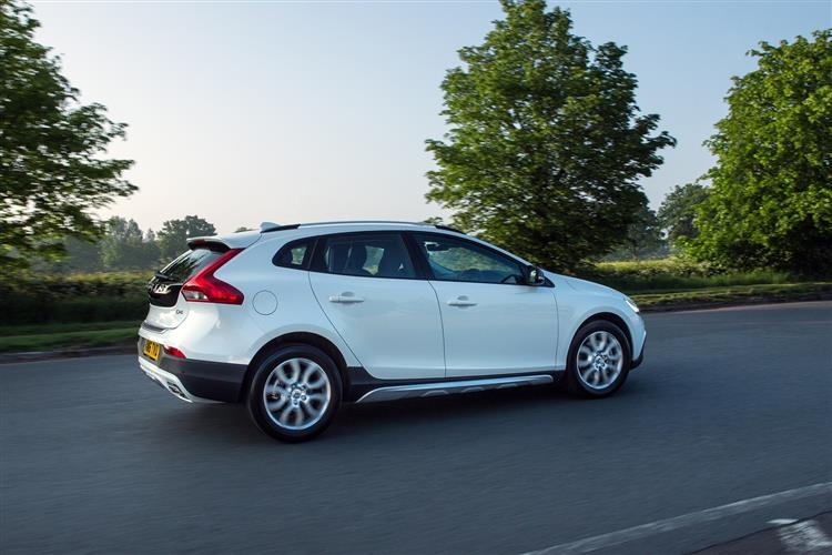 Car Review | 11256 | volvo-v40-cross-country-t5-awd