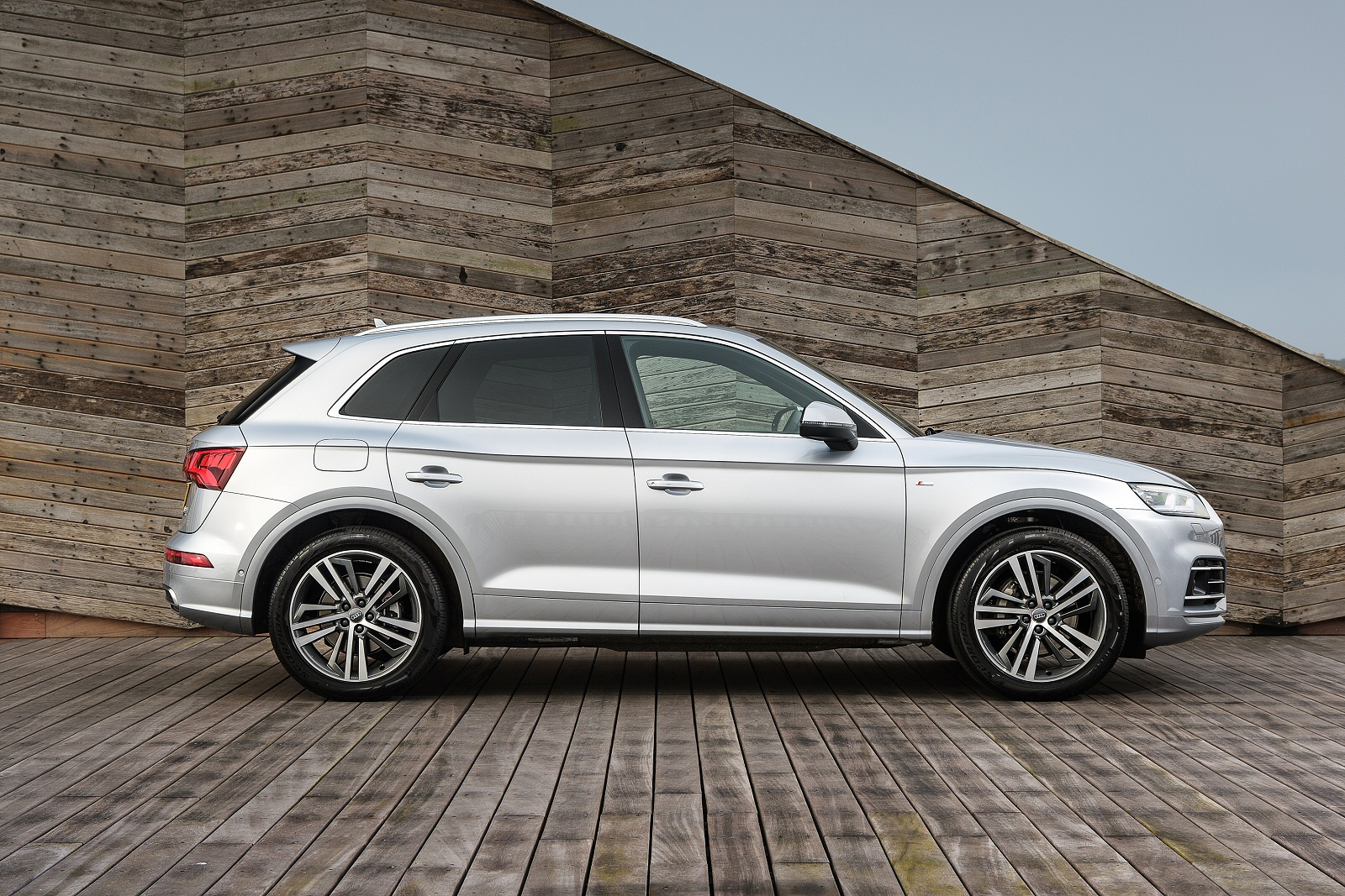 new audi q5 40 tdi quattro s line 5dr s tronic diesel estate for sale hereford audi. Black Bedroom Furniture Sets. Home Design Ideas