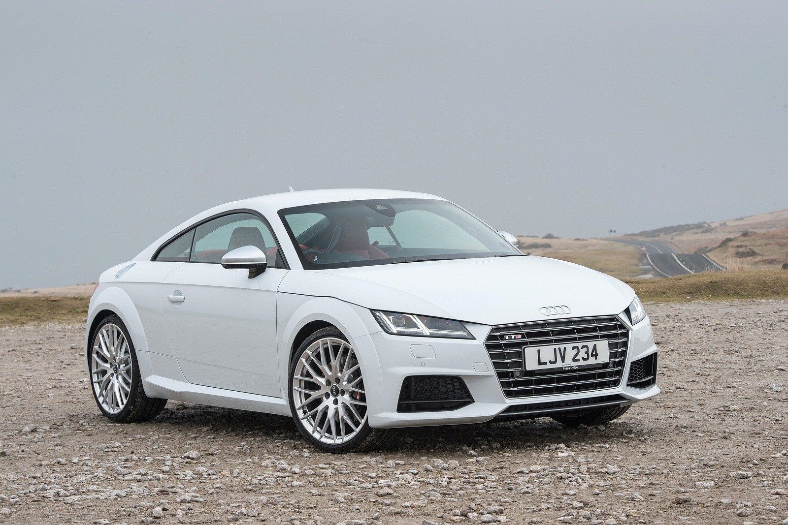 new audi tt 2 0t fsi quattro tts 2dr s tronic petrol coupe for sale south hereford garages. Black Bedroom Furniture Sets. Home Design Ideas
