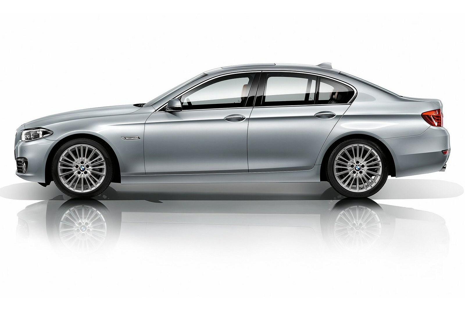 BMW 5 SERIES DIESEL SALOON 518d [150] SE 4dr Step Auto