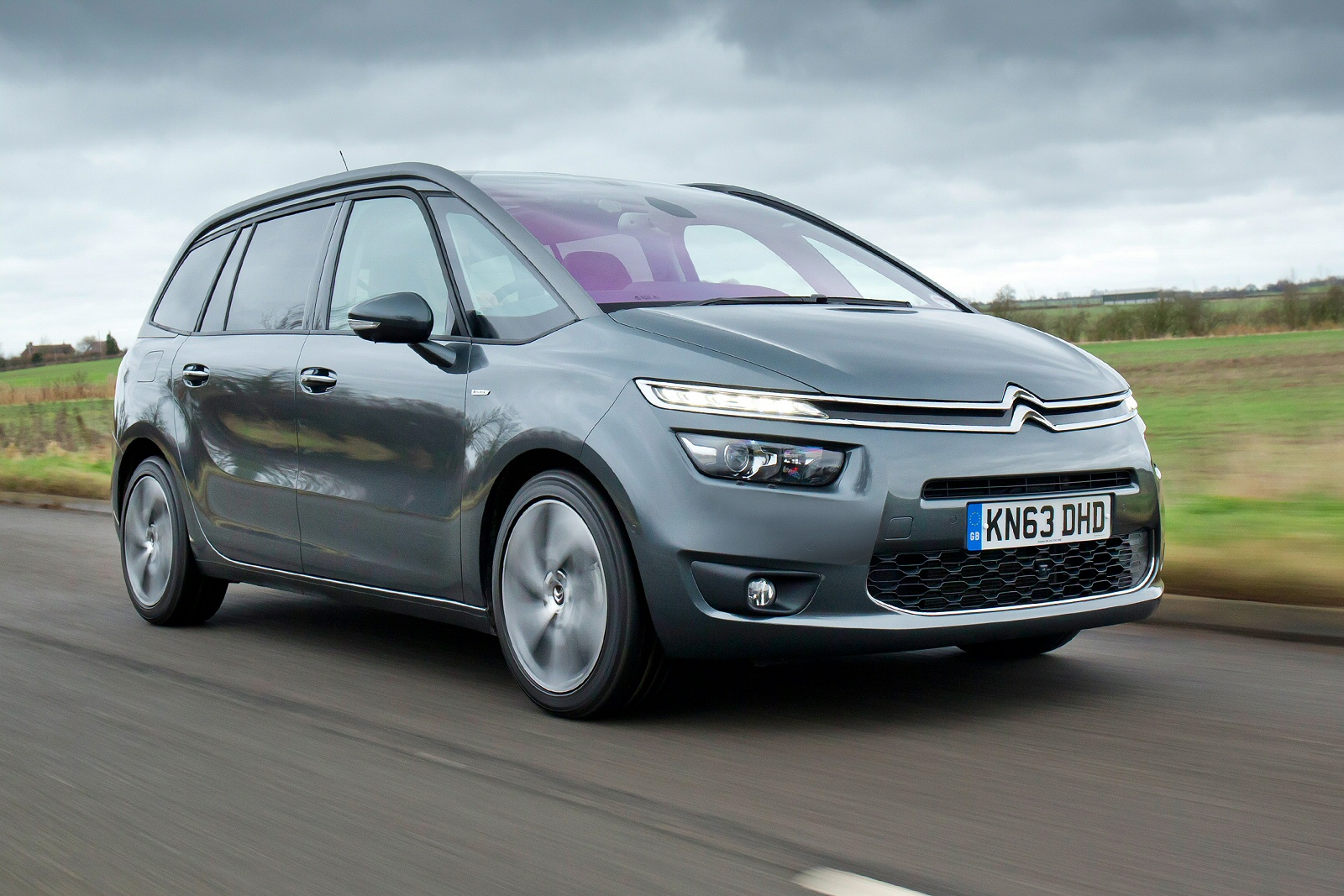 new citroen grand c4 picasso 1 6 bluehdi feel 5dr diesel. Black Bedroom Furniture Sets. Home Design Ideas