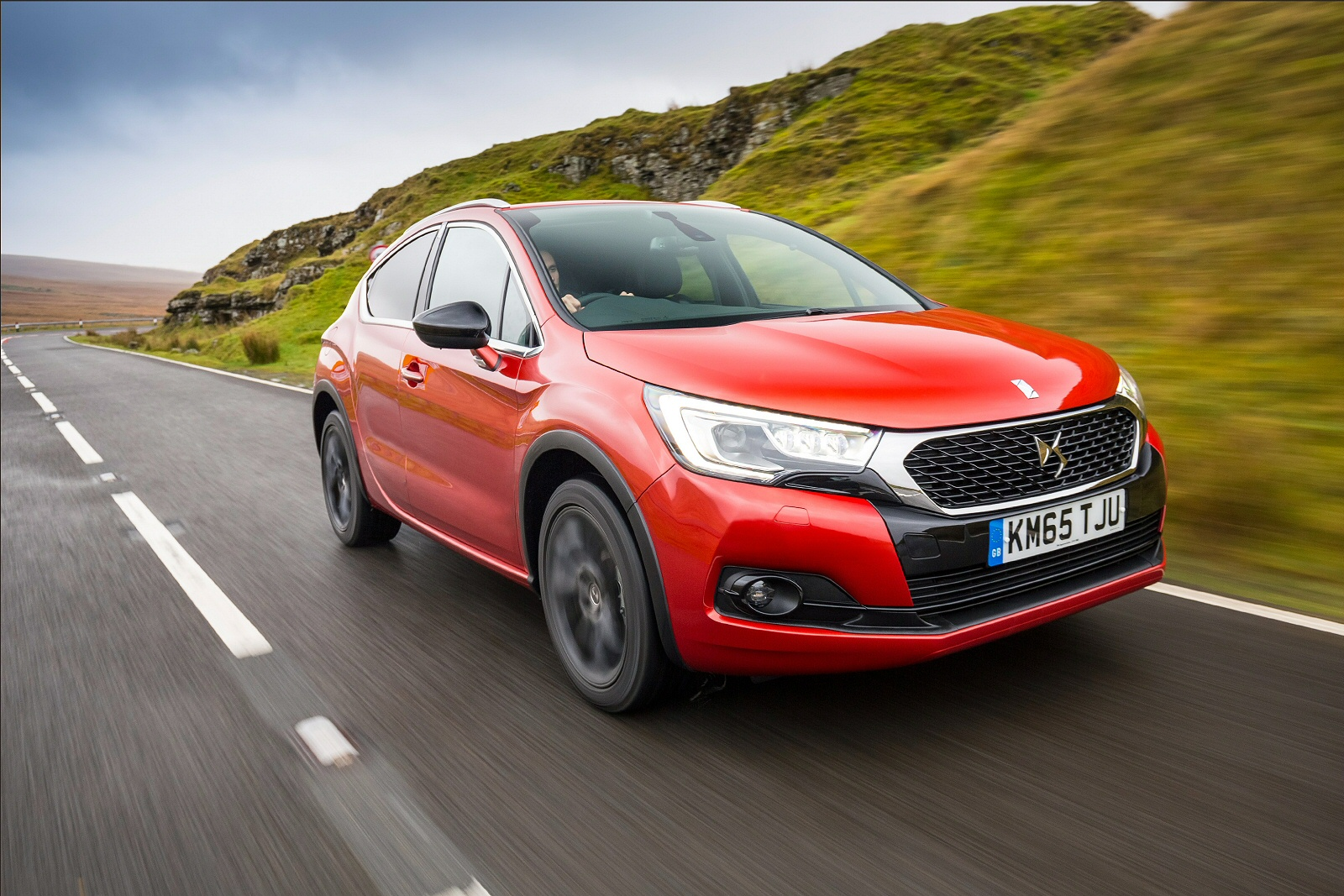 new ds 4 1 2 puretech crossback 5dr petrol hatchback for sale bristol street. Black Bedroom Furniture Sets. Home Design Ideas