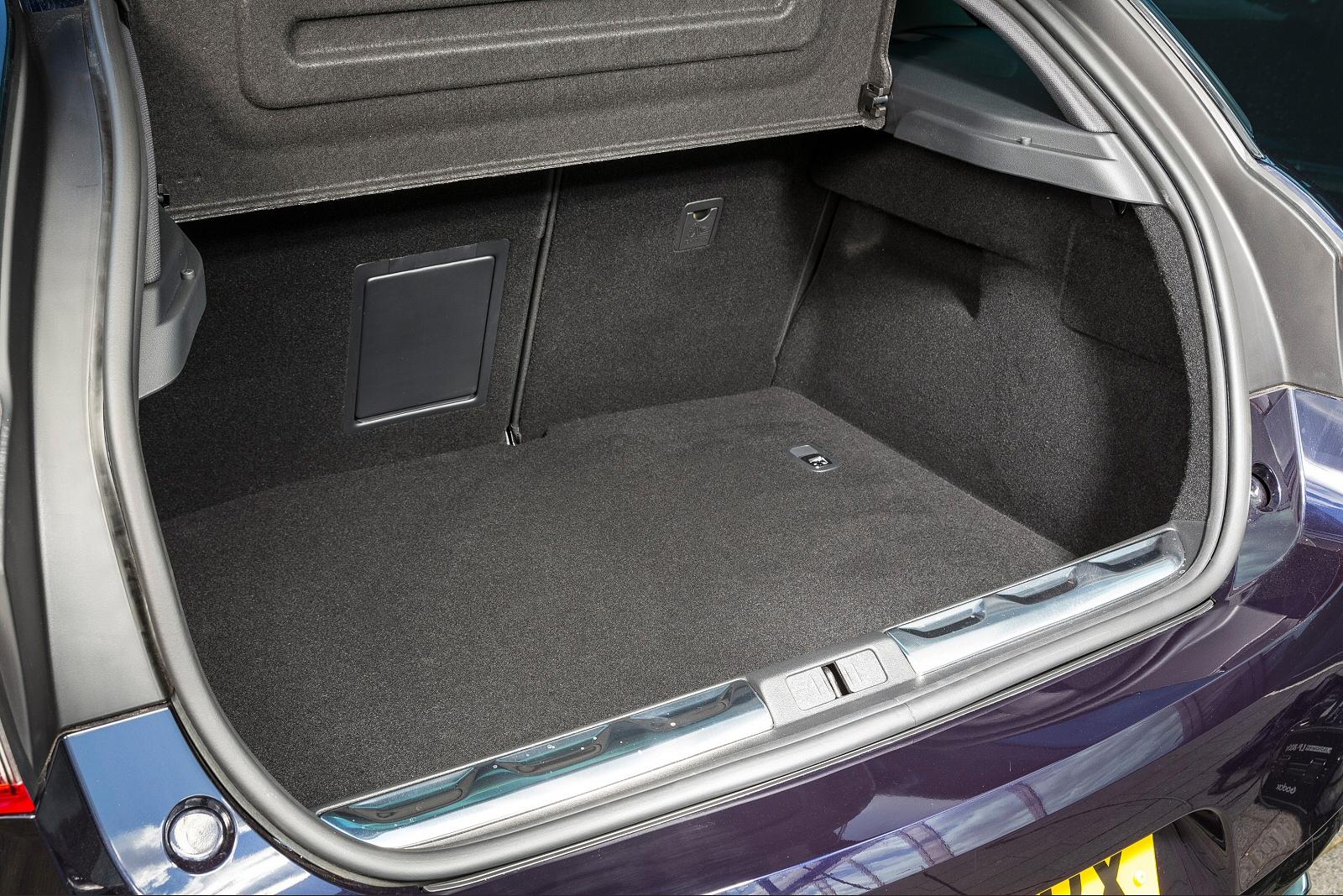 new ds 5 2 0 bluehdi 180 prestige 5dr eat6 diesel hatchback for sale bristol street. Black Bedroom Furniture Sets. Home Design Ideas