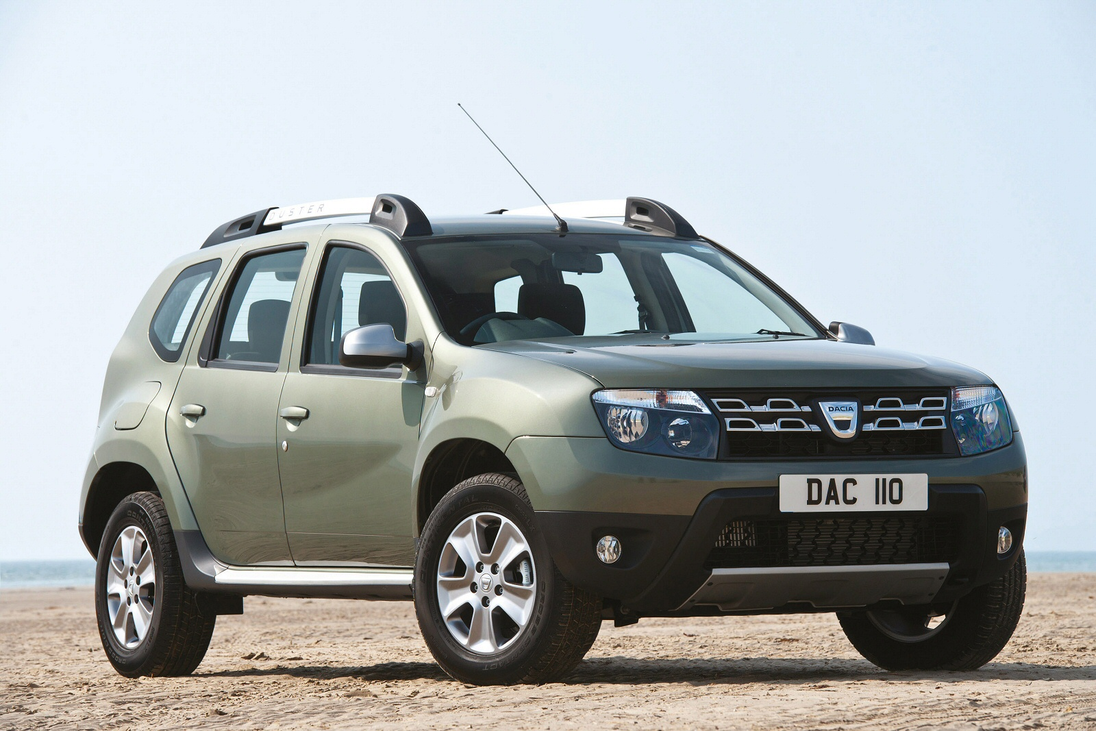 new dacia duster 1 5 dci 110 ambiance 5dr diesel estate for sale bristol street. Black Bedroom Furniture Sets. Home Design Ideas