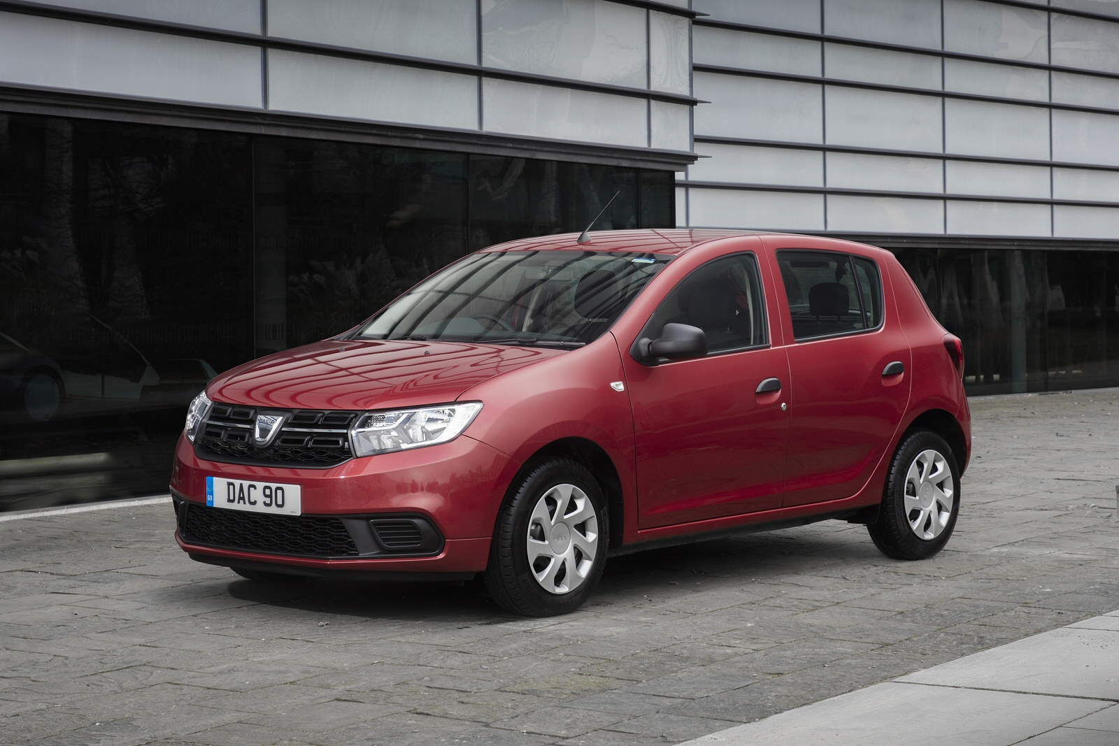 new dacia sandero stepway 0 9 tce ambiance 5dr petrol hatchback for sale bristol street. Black Bedroom Furniture Sets. Home Design Ideas