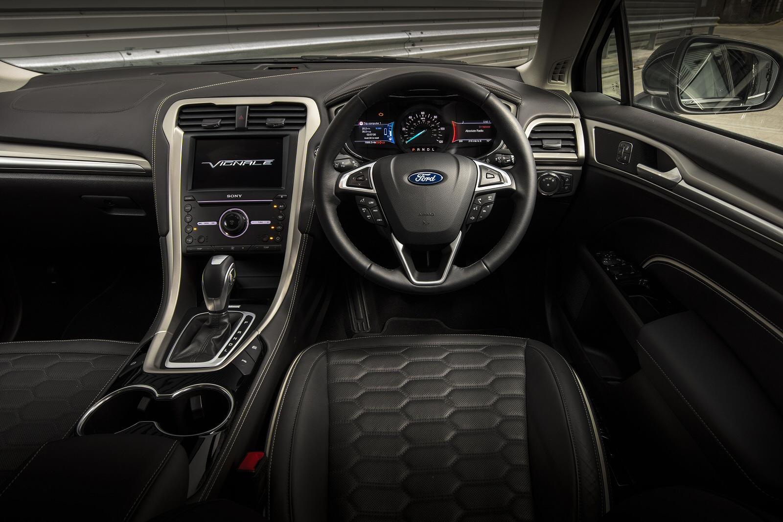 new ford mondeo vignale 2 0 hybrid 4dr auto hybrid saloon. Black Bedroom Furniture Sets. Home Design Ideas