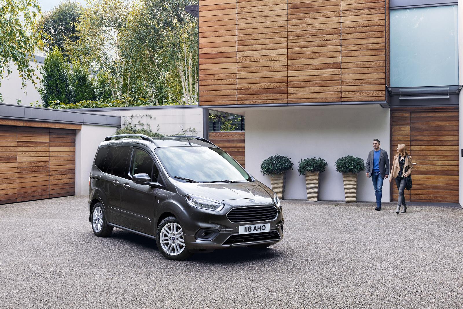 new ford tourneo courier 1 0 ecoboost zetec 5dr petrol. Black Bedroom Furniture Sets. Home Design Ideas