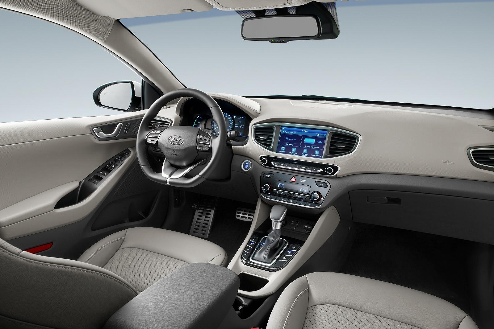 1 6 Gdi Plug In Hybrid Premium Se 5dr Dct Hatchback