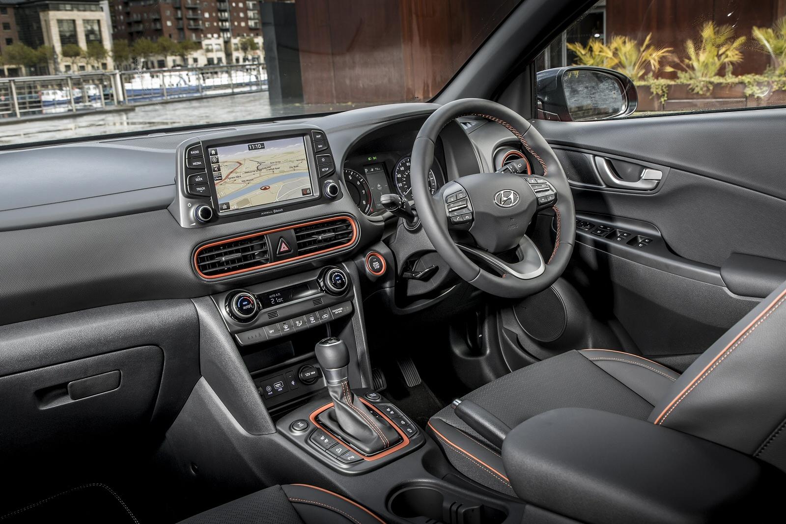 new hyundai kona 1 6t gdi blue drive premium gt 5dr 4wd dct petrol hatchback for sale bristol. Black Bedroom Furniture Sets. Home Design Ideas