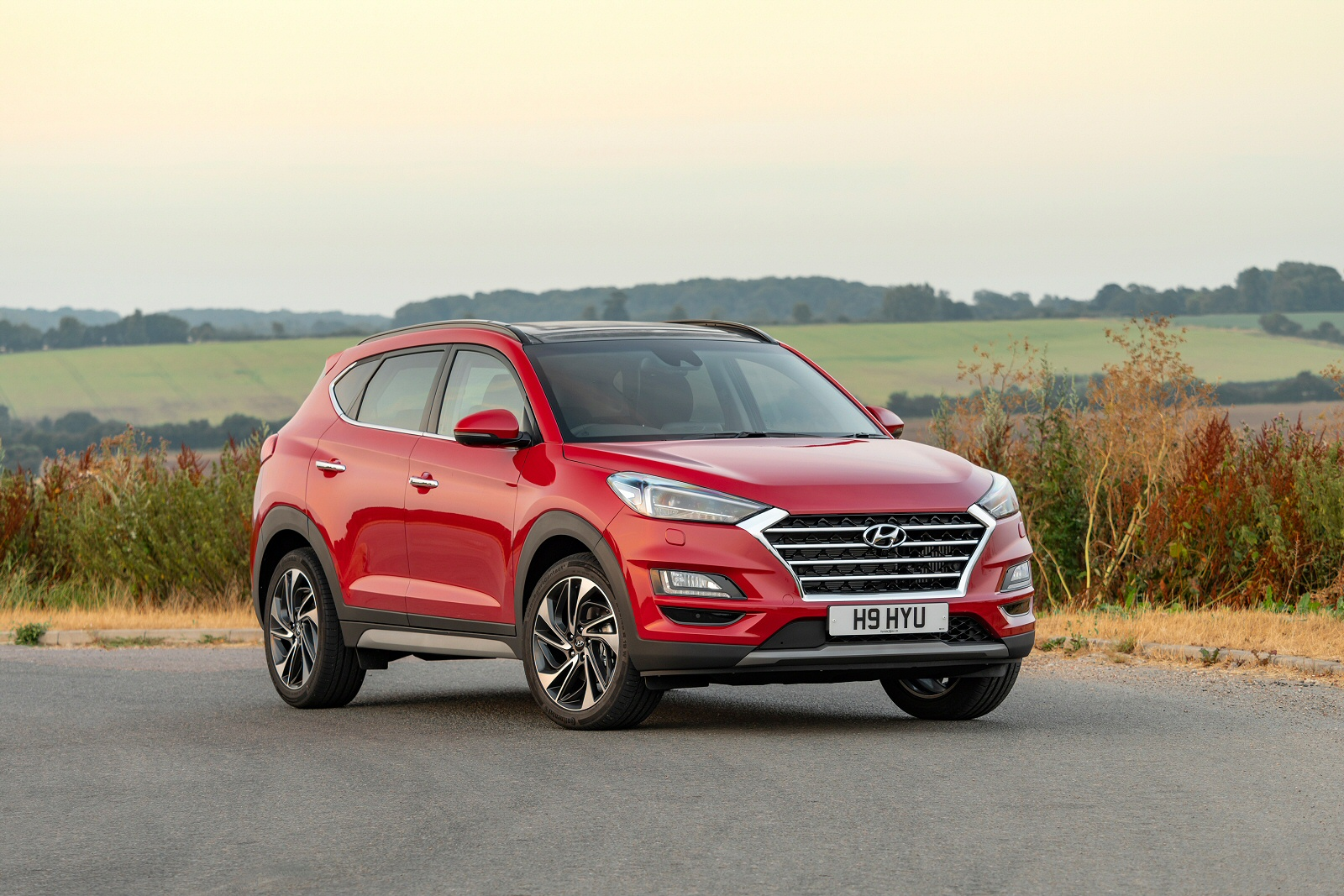 new hyundai tucson 1 6 crdi s connect 5dr 2wd diesel. Black Bedroom Furniture Sets. Home Design Ideas