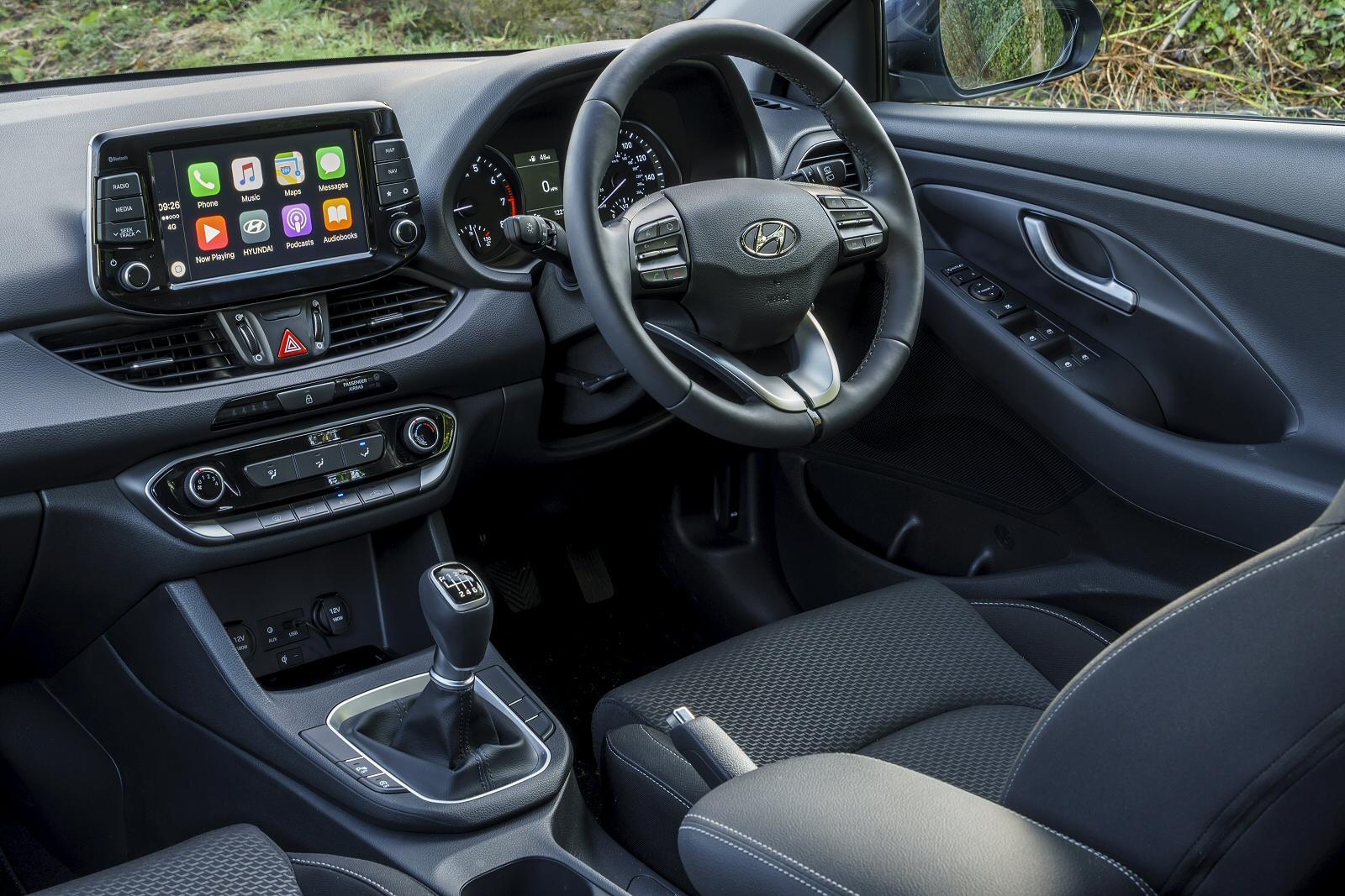 new hyundai i30 1 6 crdi se 5dr diesel hatchback for sale. Black Bedroom Furniture Sets. Home Design Ideas