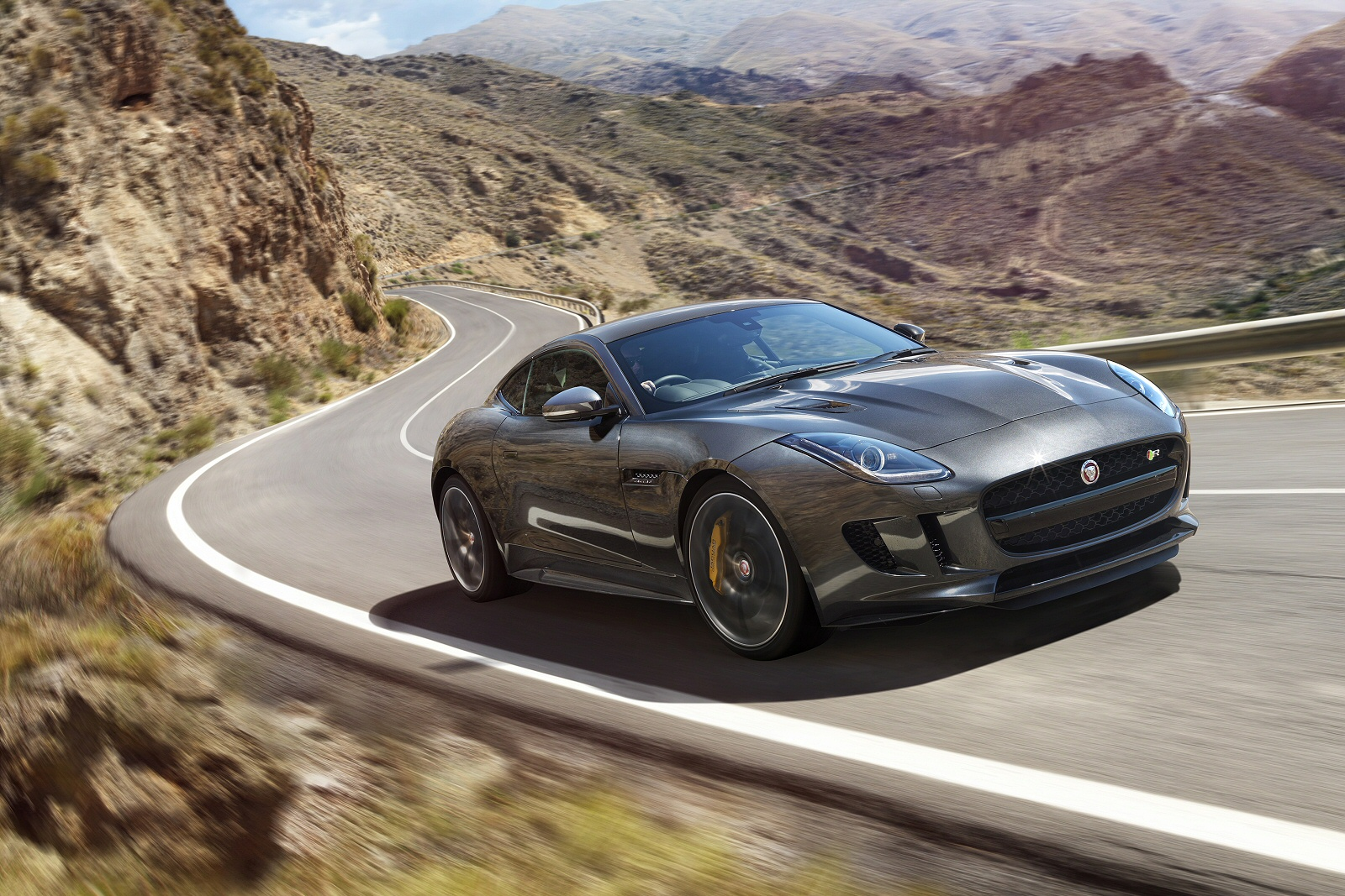 four to the floor jaguar f type coupe v6 r dynamic awd independent new review ref 1169 10800. Black Bedroom Furniture Sets. Home Design Ideas