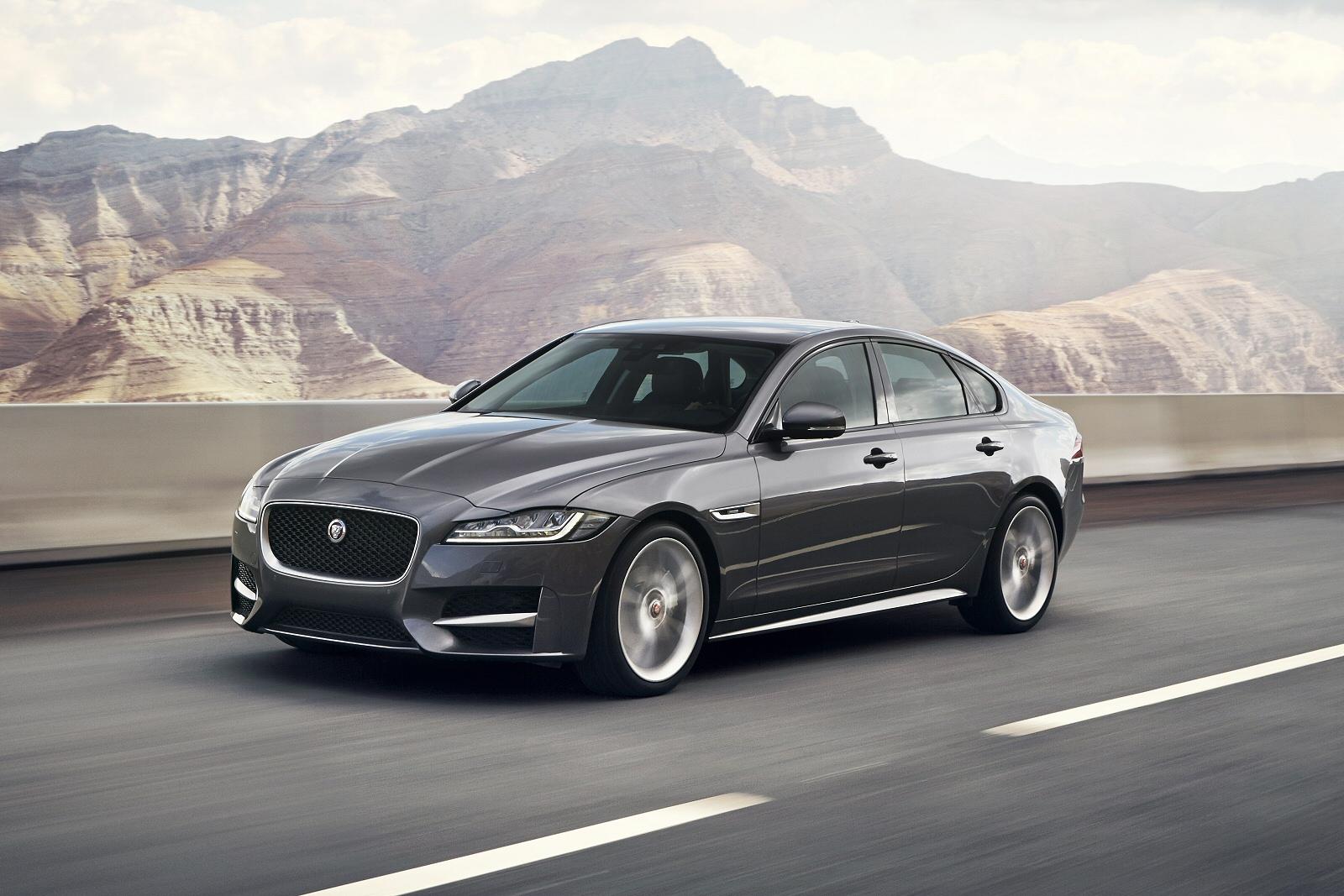 New Jaguar XF 2.0D [18...