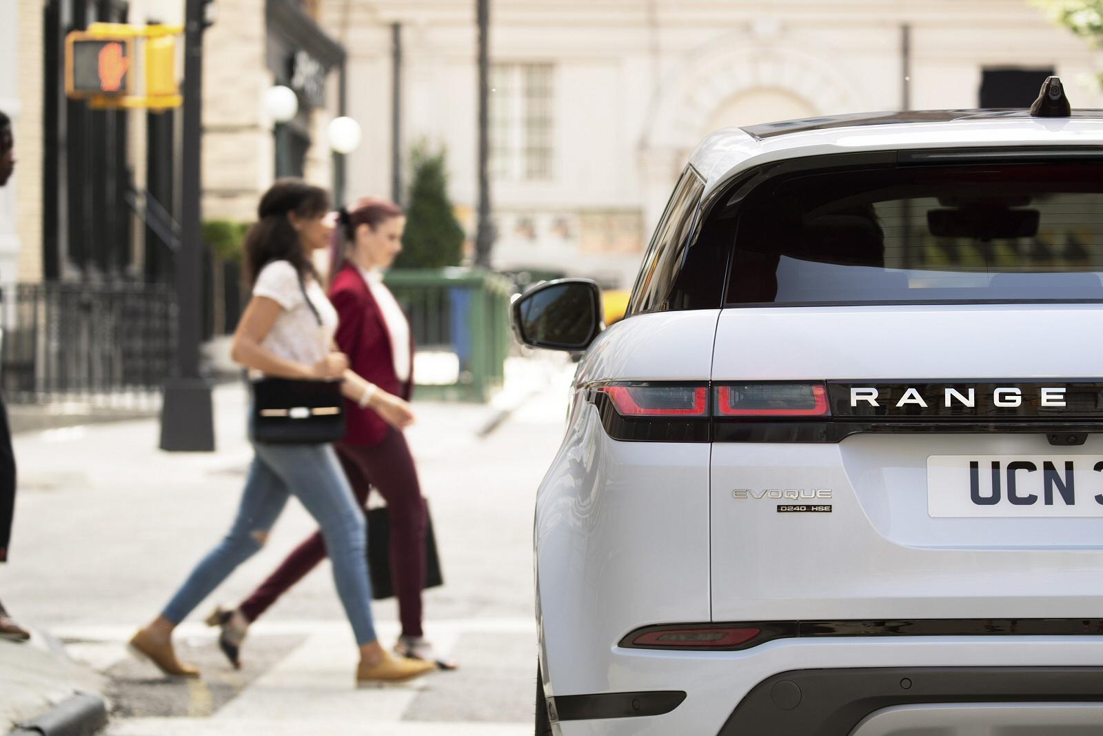 New Land Rover Range Evoque 2 0 Ed4 Se 5dr 2wd Sel Hatchback For Farnell