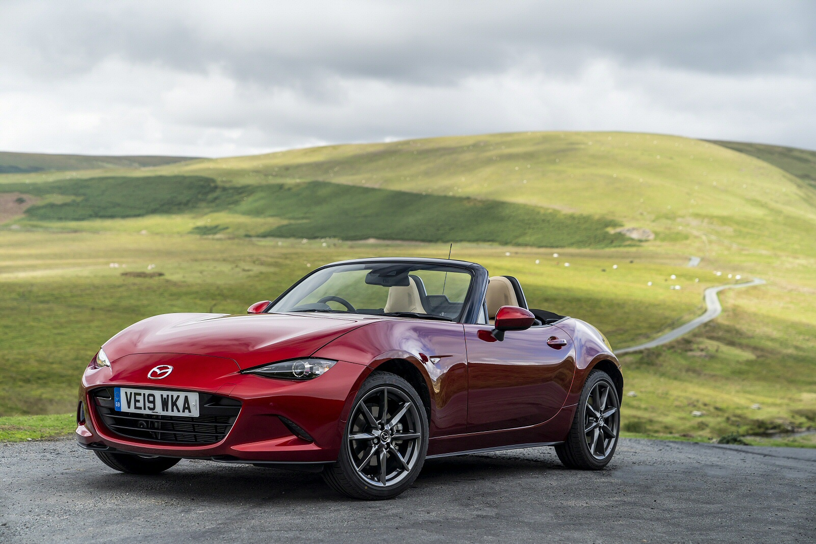 Mazda Mx5 For Sale >> New Mazda Mx 5 1 5 132 Se 2dr Petrol Convertible For Sale