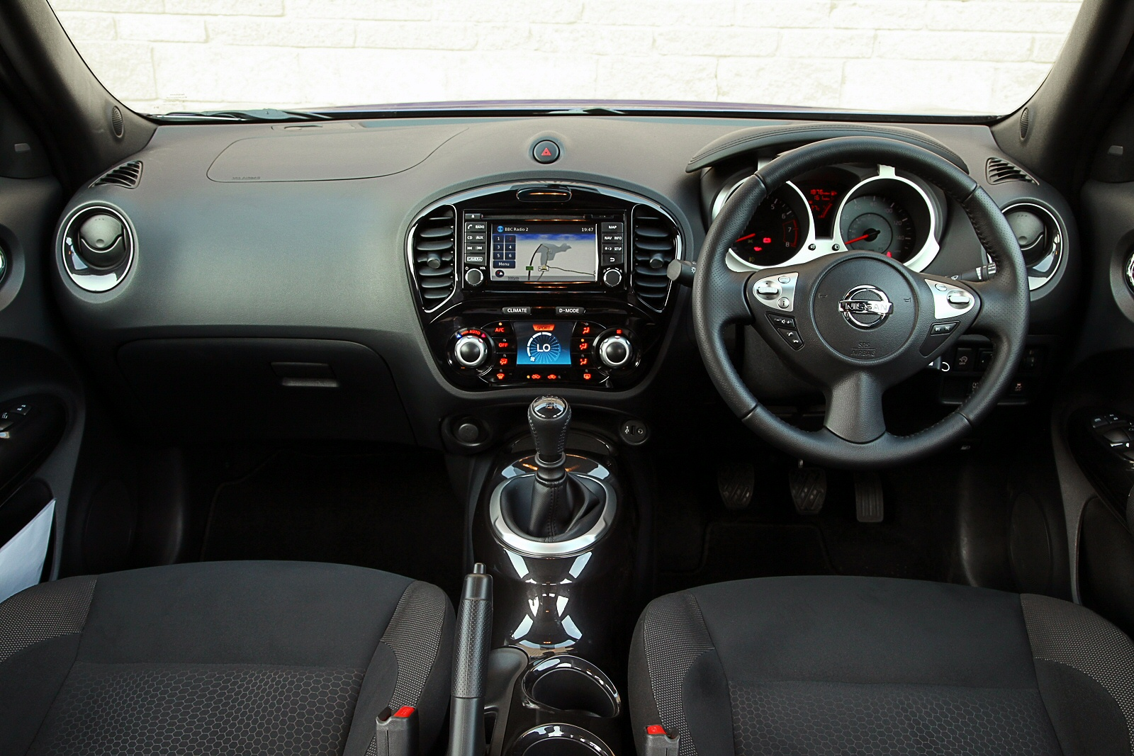 New Nissan Juke 1.2 Dig-T N-Connecta 5Dr Petrol Hatchback ...