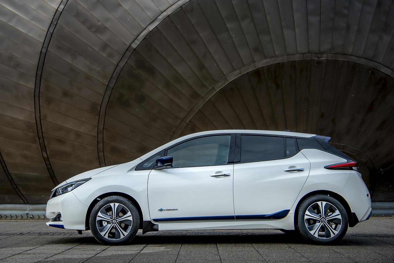 new nissan leaf 150kw n connecta 50kwh 5dr auto electric hatchback for sale bristol street. Black Bedroom Furniture Sets. Home Design Ideas