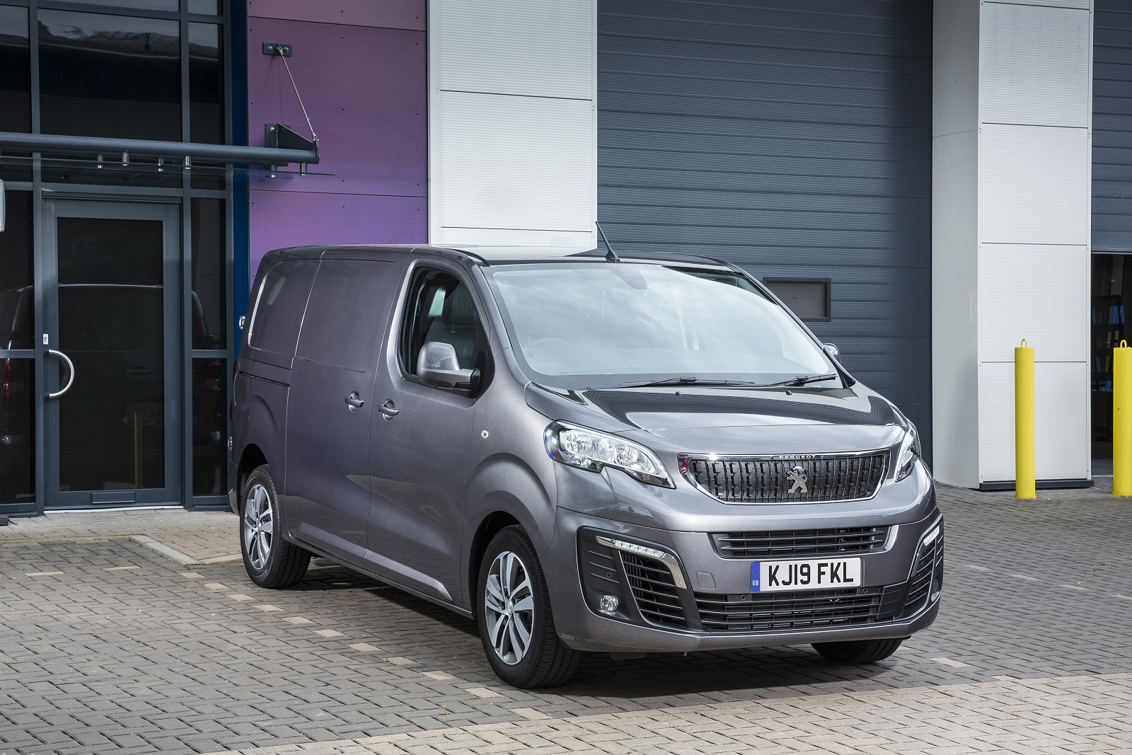 c45bf7e3b8 New Peugeot Expert Compact Diesel 1000 1.6 BlueHDi 95 Professional Van for  Sale