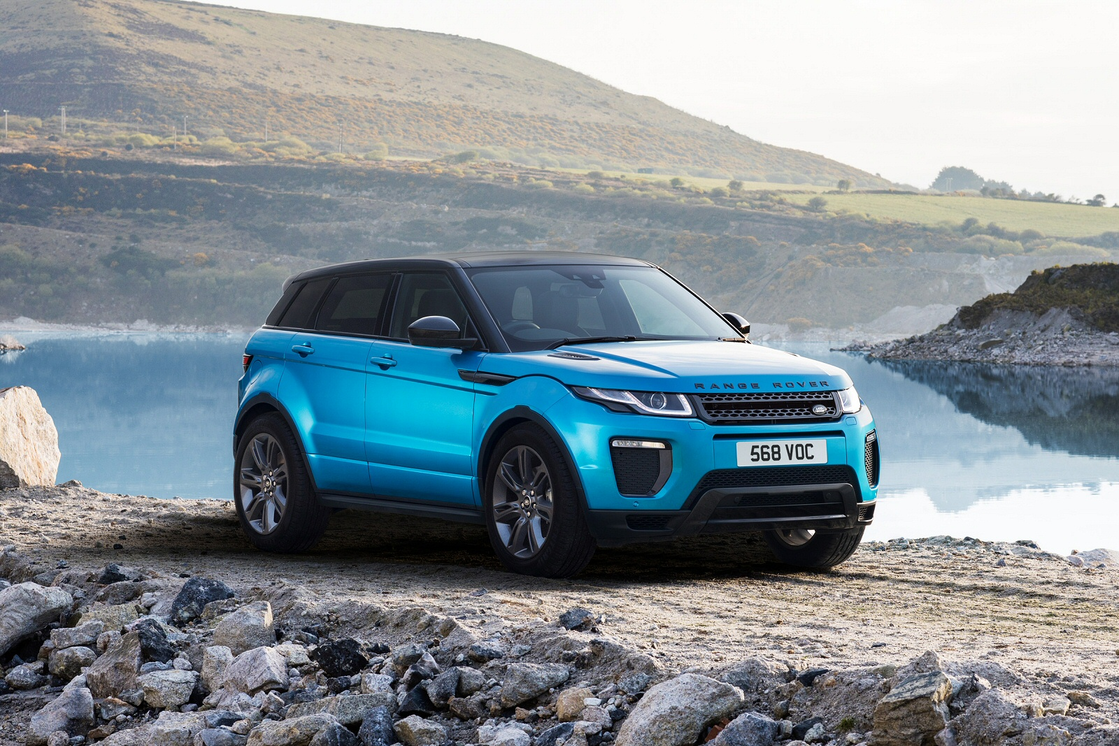 new land rover range rover evoque 2 0 td4 se 5dr diesel hatchback for sale farnell land rover. Black Bedroom Furniture Sets. Home Design Ideas
