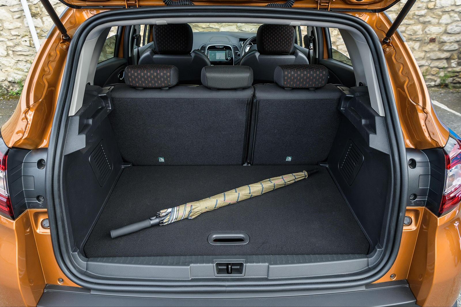 new renault captur 1 2 tce 120 signature x nav 5dr petrol hatchback for sale bristol street. Black Bedroom Furniture Sets. Home Design Ideas