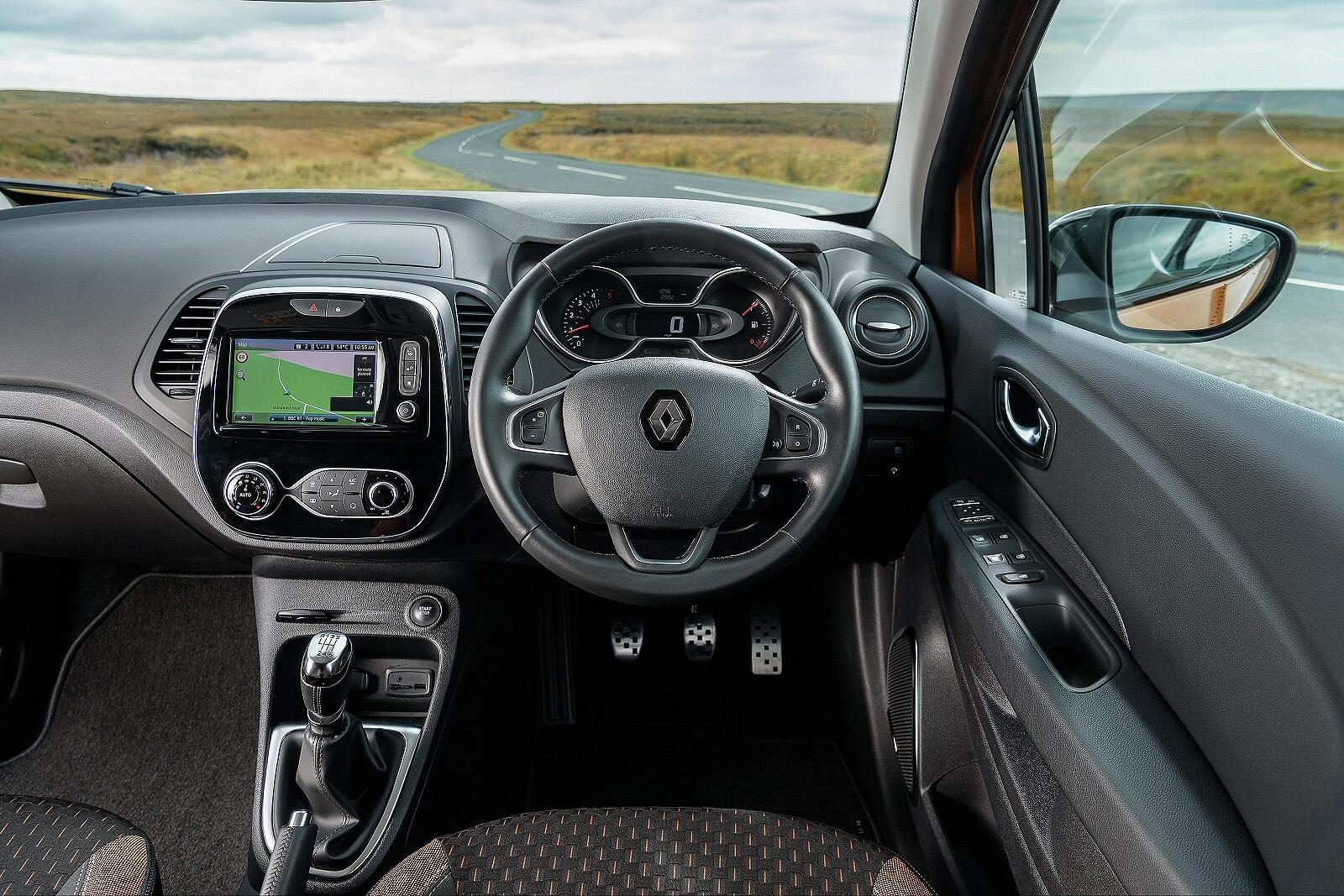 New Renault Captur 0 9 Tce 90 Gt Line 5dr Petrol Hatchback