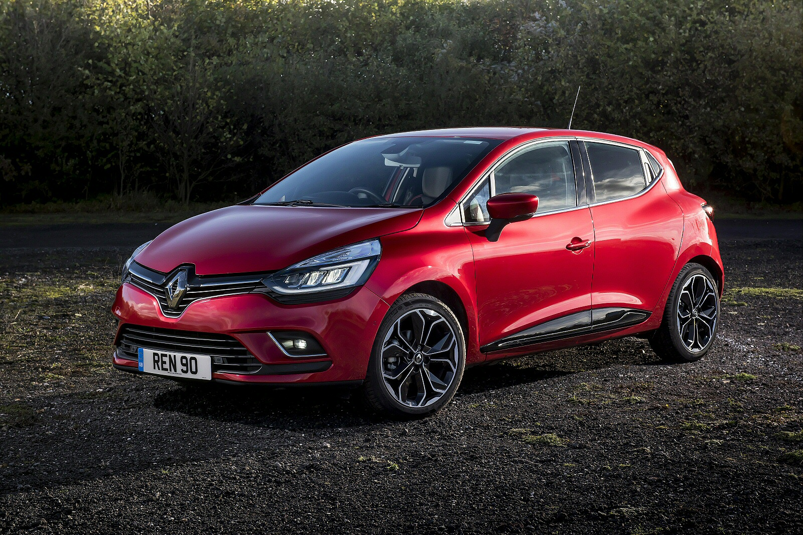 new renault clio 1 5 dci 90 gt line 5dr diesel hatchback for sale bristol street. Black Bedroom Furniture Sets. Home Design Ideas