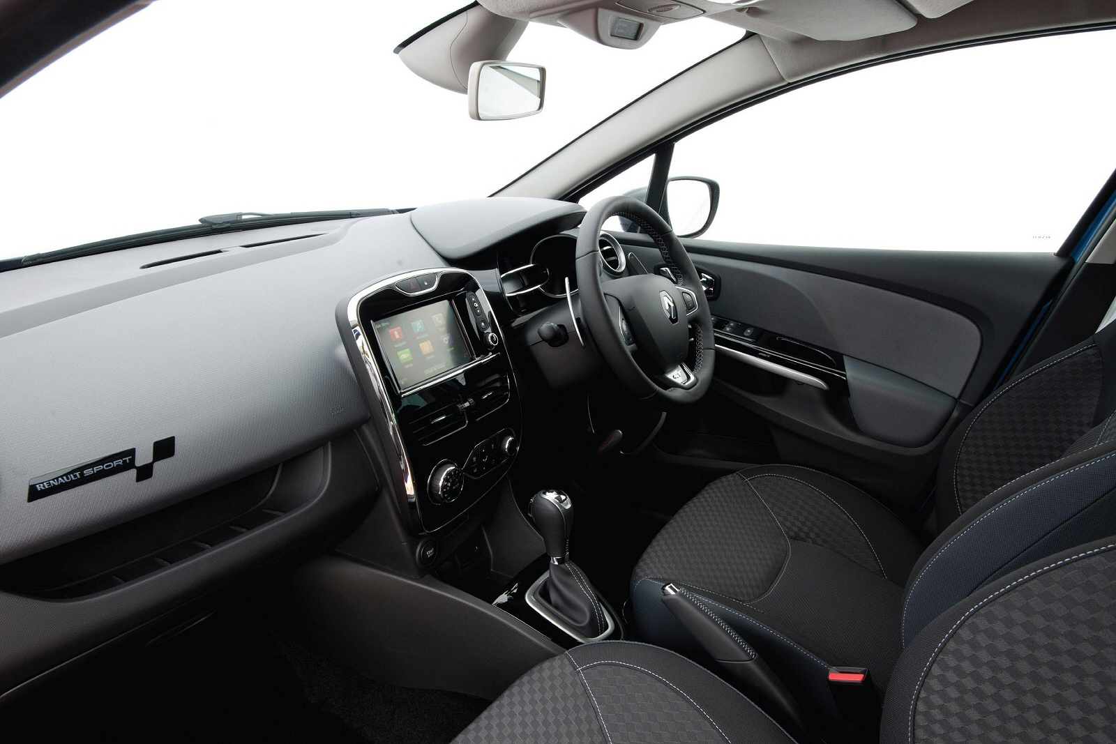 new renault clio 1 2 tce dynamique s nav 5dr petrol hatchback for sale bristol street. Black Bedroom Furniture Sets. Home Design Ideas