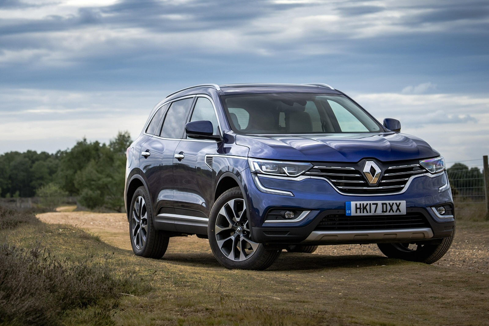 new renault koleos 2 0 dci gt line 5dr x tronic diesel. Black Bedroom Furniture Sets. Home Design Ideas