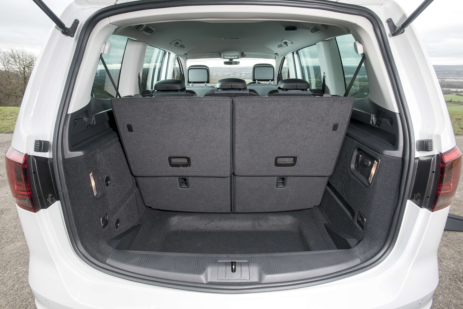 new seat alhambra 2 0 tdi cr ecomotive s 150 5dr diesel. Black Bedroom Furniture Sets. Home Design Ideas