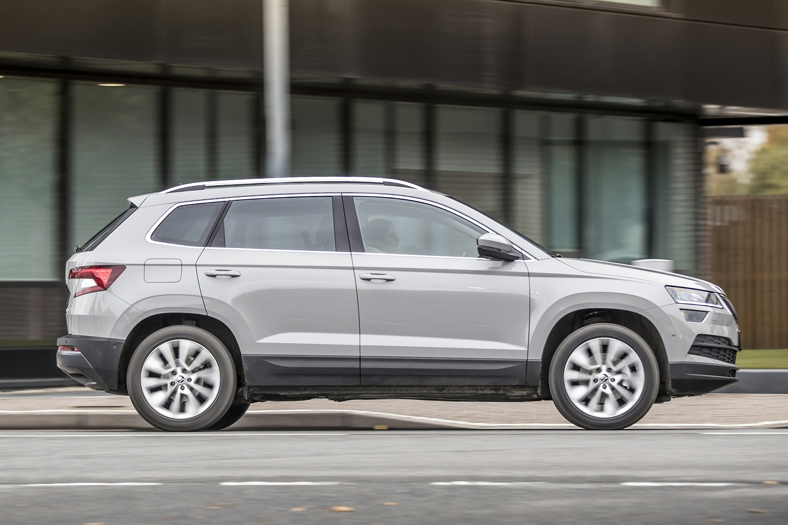 new skoda karoq 2 0 tdi se technology 4x4 5dr diesel estate for sale bristol street. Black Bedroom Furniture Sets. Home Design Ideas