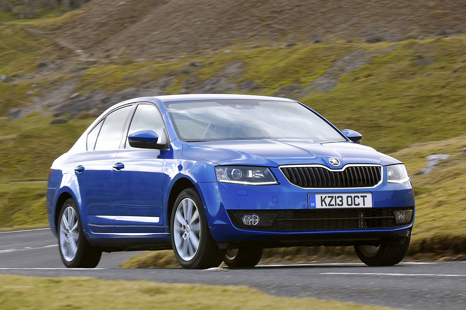 new skoda octavia 1 6 tdi cr se l 5dr dsg diesel hatchback. Black Bedroom Furniture Sets. Home Design Ideas