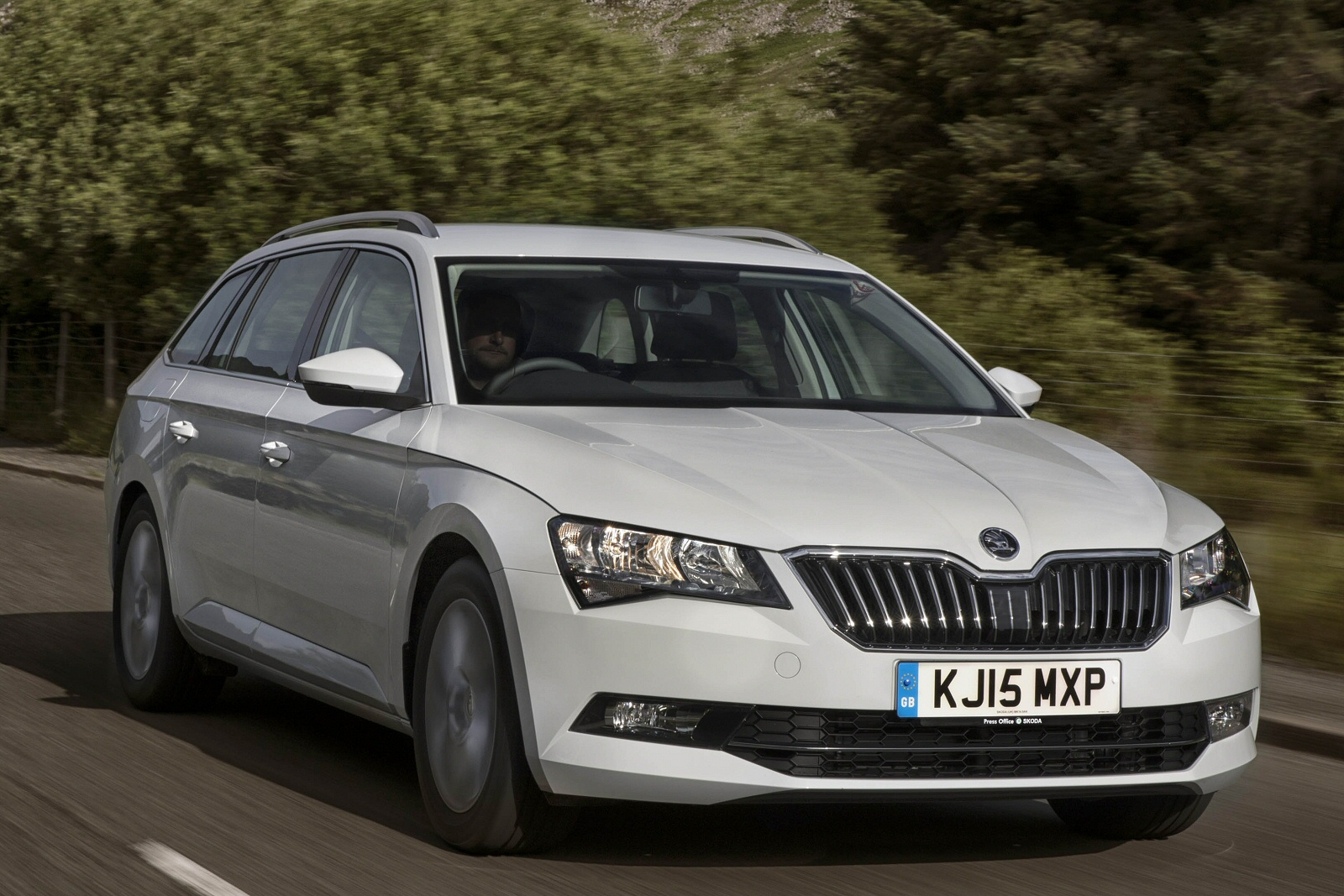 new skoda superb 1 4 tsi s 5dr petrol estate for sale bristol street. Black Bedroom Furniture Sets. Home Design Ideas