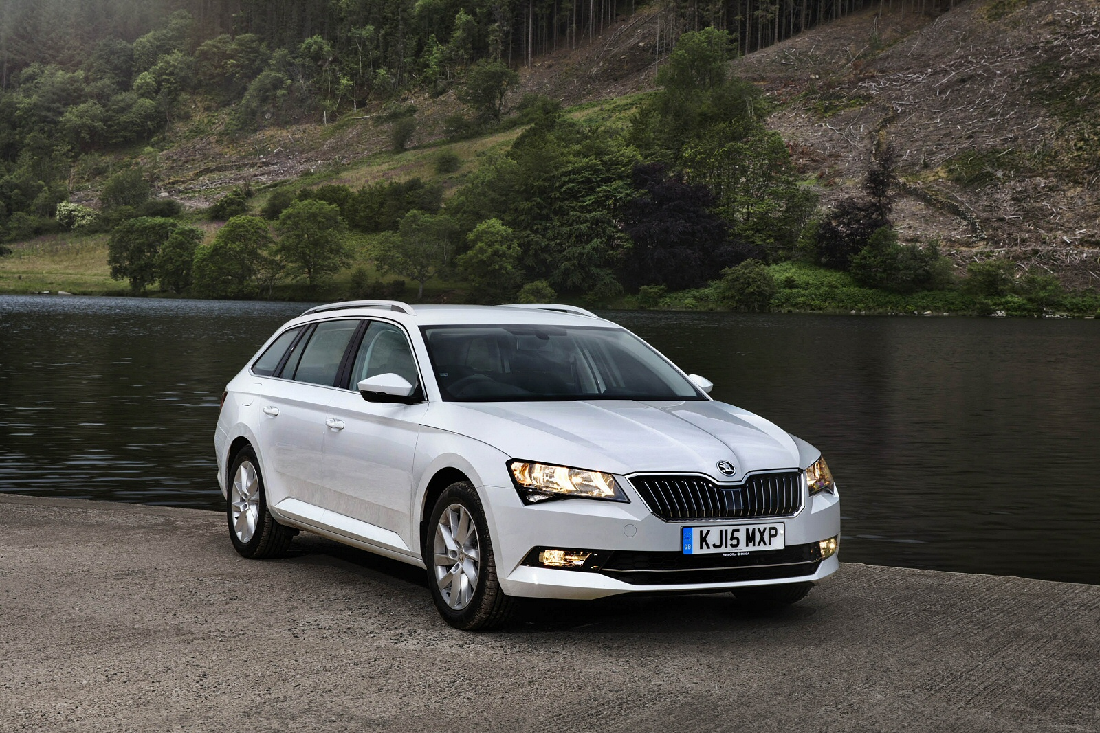 anyone got a se business combi yet skoda superb mk iii briskoda. Black Bedroom Furniture Sets. Home Design Ideas