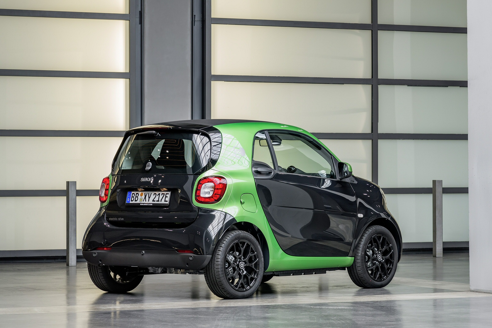 New smart fortwo cabrio electric drive prime premium 2dr for Prime motor cars mercedes benz